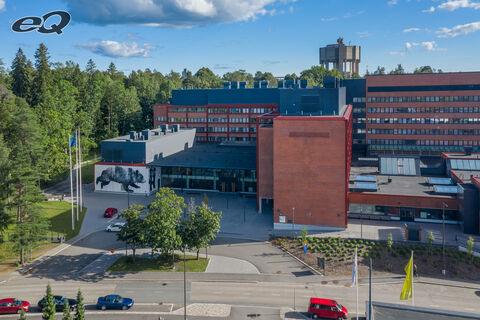 Toimitilat, Espoo   Tietotie 6   sisäänkäynti